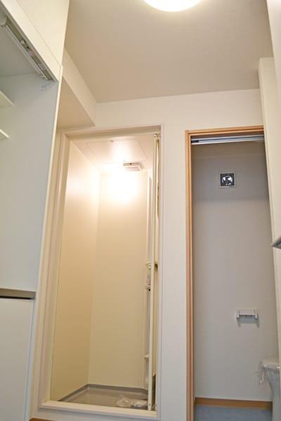 従業員用のキッチン・シャワールーム・トイレ