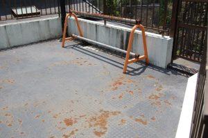 横浜市港南区K様・駐車場防水工事前の写真