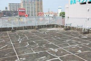 横浜市鶴見区E様邸・屋上防水工事前の写真